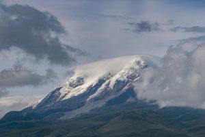 volcan cayambe nevado ecuador zuleta coordillera andes
