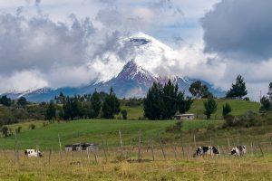 panoramica cotopaxi pueblo ecudador