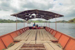 gabarra barxaza bote manabi ecuador