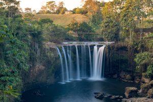panoramica paisaje cascada ecuador salto del armadillo